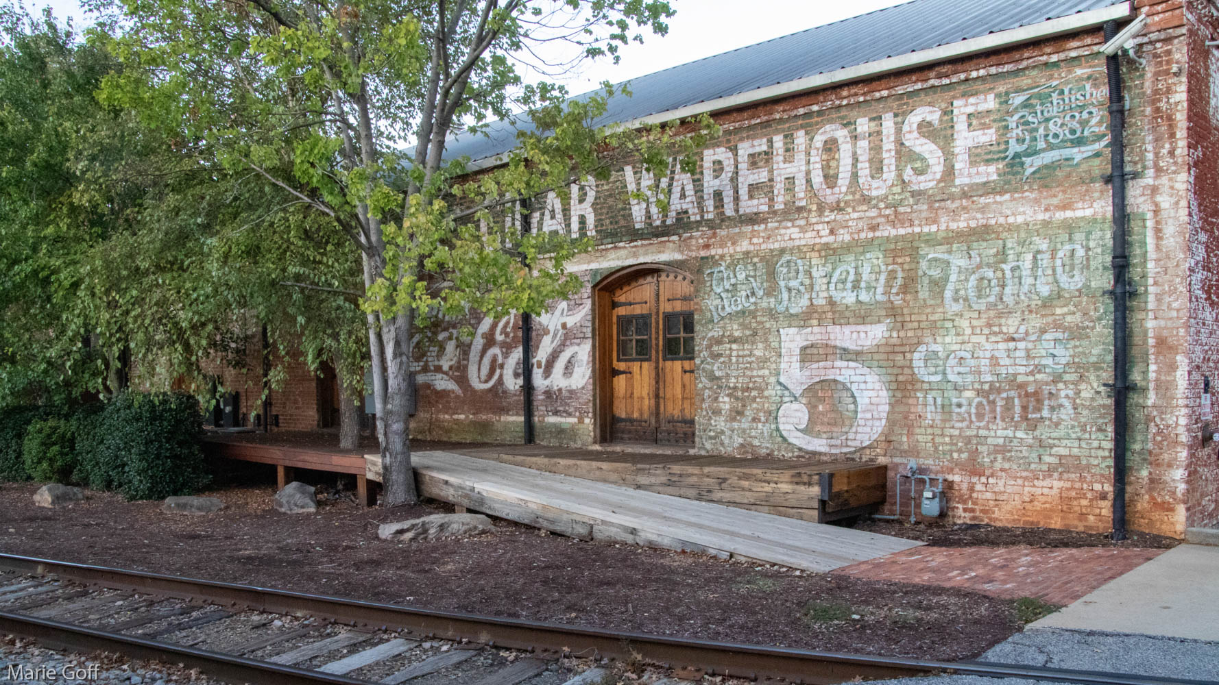 cigar warehouse ghost sign