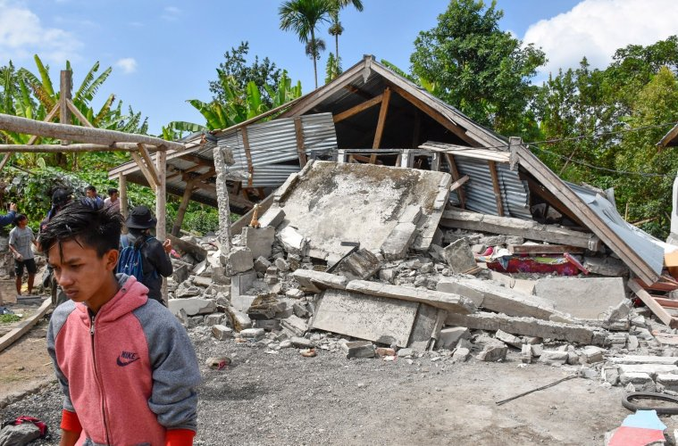32 Dead After 7.0 Lombok Earthquake Hits Island Near Bali
