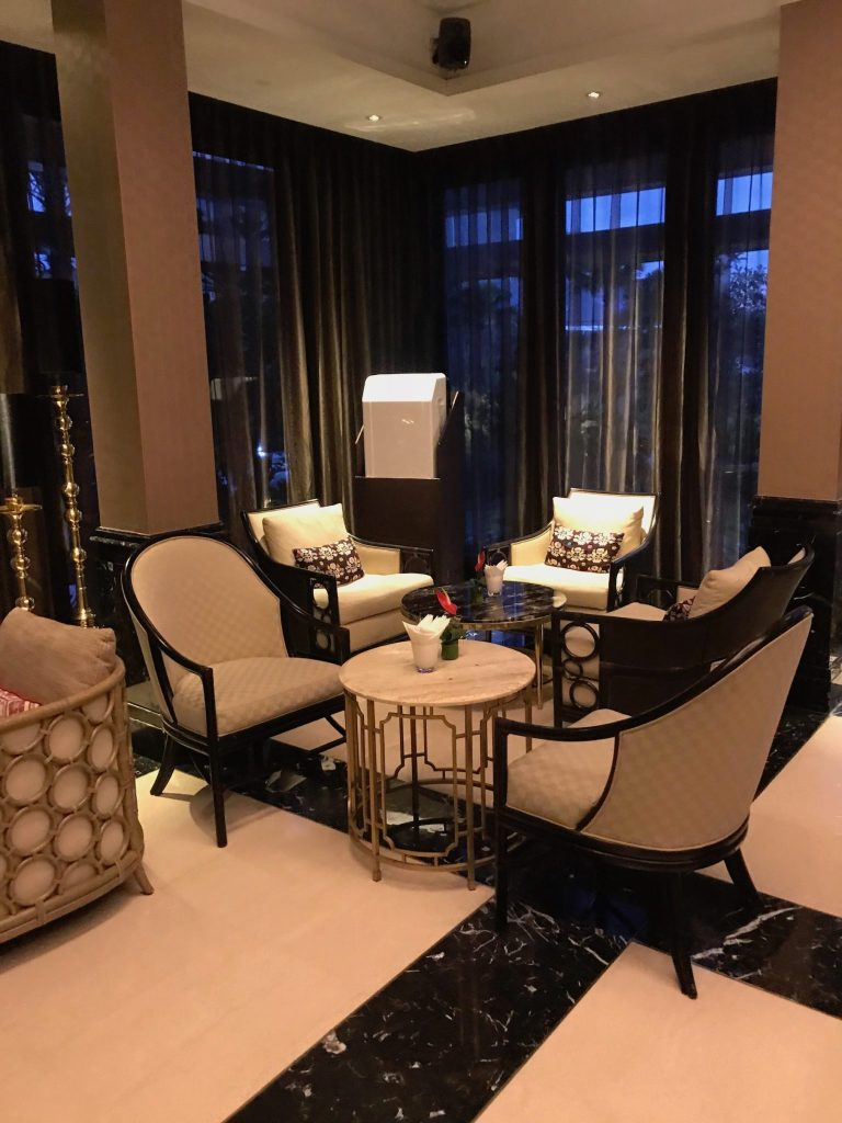 Trans Resort hotel lounge