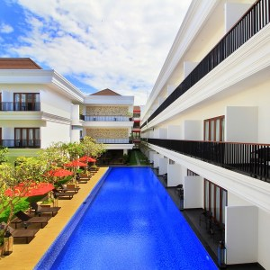 Pool access rooms sanur