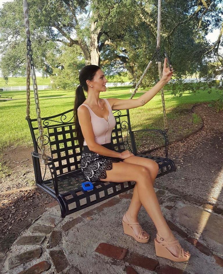 Kashlee Kucheran's Tep Wireless Review for Travel Bloggers