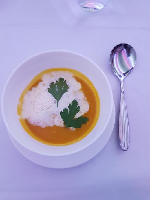thai soup qatar airways