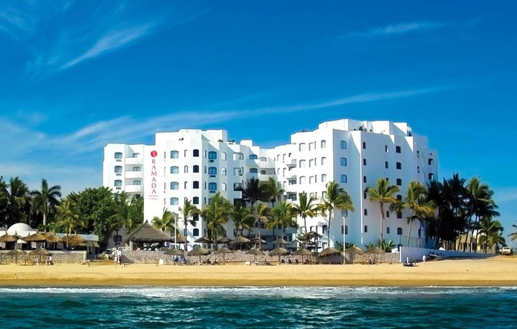 Affordable 5 Star OCEANFRONT Resorts in Mexico Ramada