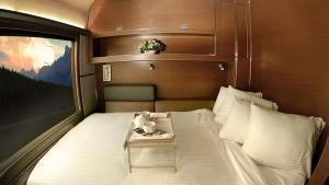Bed on via rail prestige class