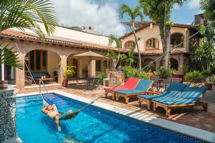cheap hotel in puerto vallarta - hacienda escondida