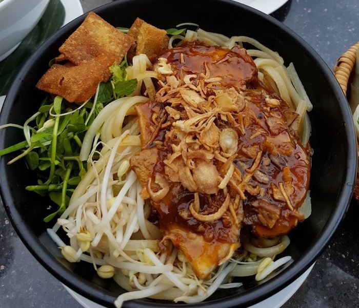 Cao Lau - Best dishes to eat in Hoi An