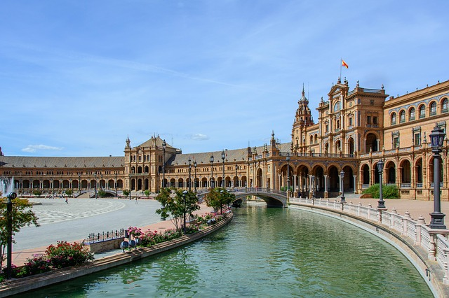 tourists go to seville instead of Barcelona