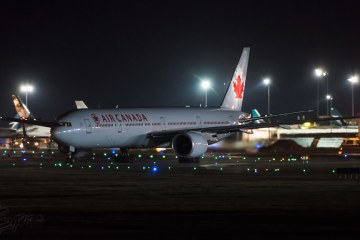 Air canada Passenger locked on plane