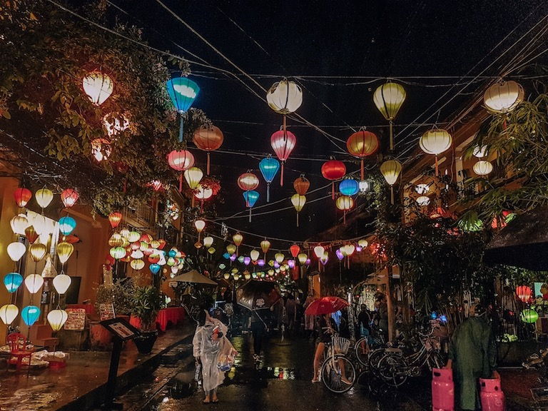 Living in Hoi An - seeing the lanterns at night