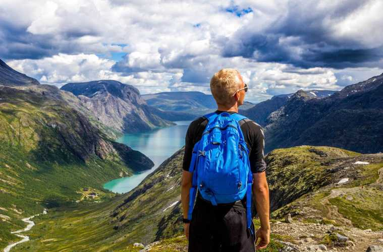Top 20 Travel Tips For First Time Travelers