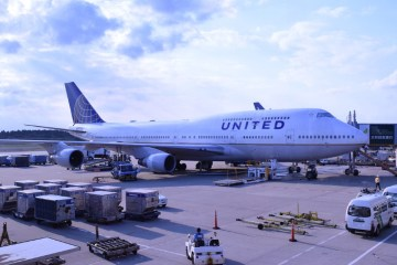 United Airlines Crew Allegedly Suggest Passengers Clean Up Vomit Covered Seats Before Flight