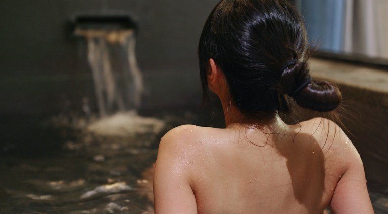 japanese travel tips- you will go into an onsen nude