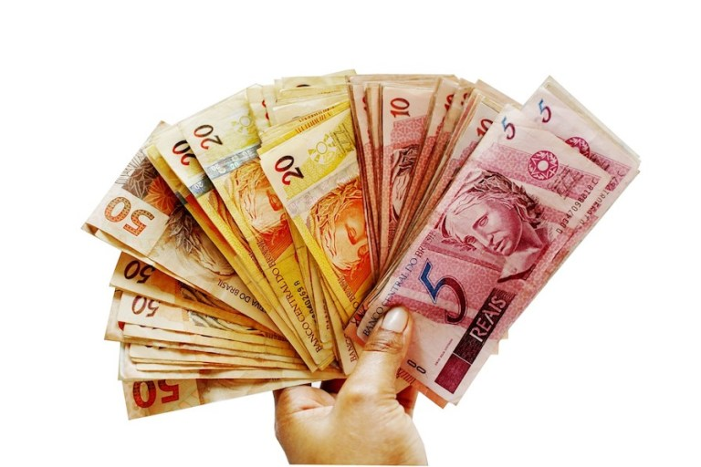 when visiting sao paulo use the local currency Real i