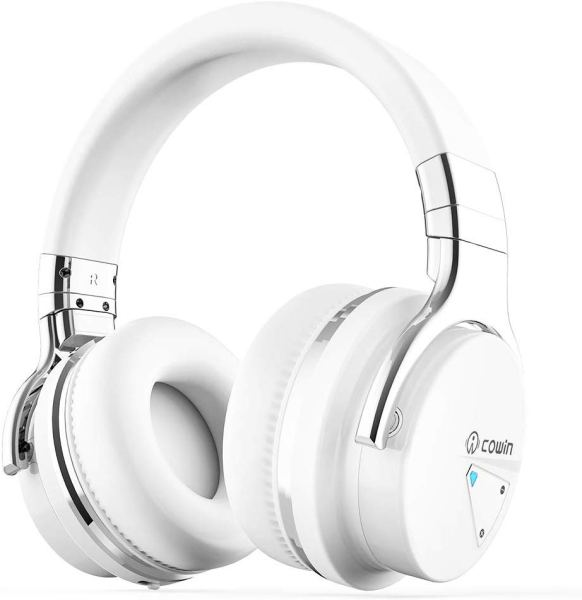 Gift Ideas for Women Who Travel - bluetooth headphones