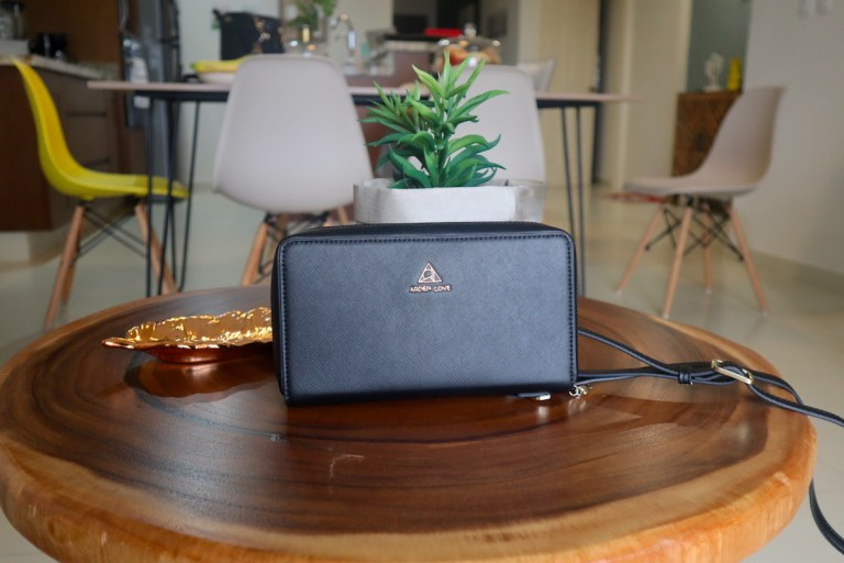 Grande Marina wallet by Arden Cove