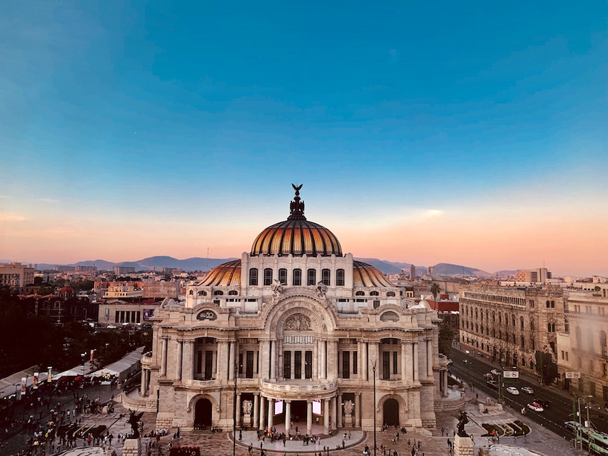Mexico city flies direct to Mazatlan with 3 airlines