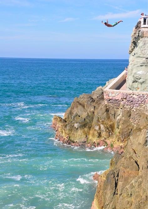 cliff divers mazatlan