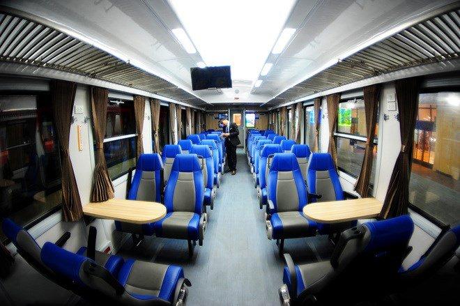normal seats inside the sleeper train in vietnam