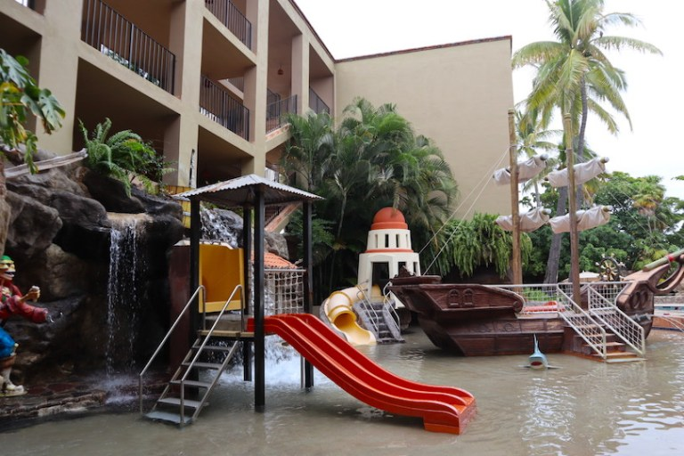 pirate playhouse hotel playa mazatlan