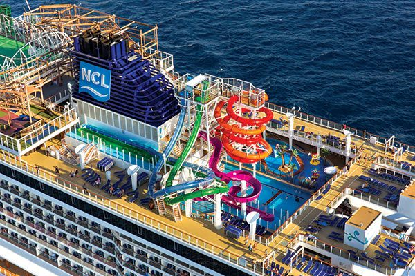 norwegian cruise top deck with waterslide