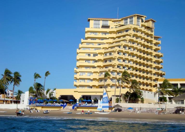royla villas hotel mazatlan