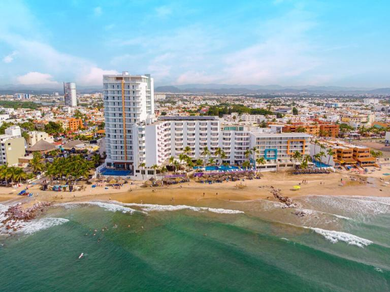 Oceano and Star Palace hotels in Mazatlan