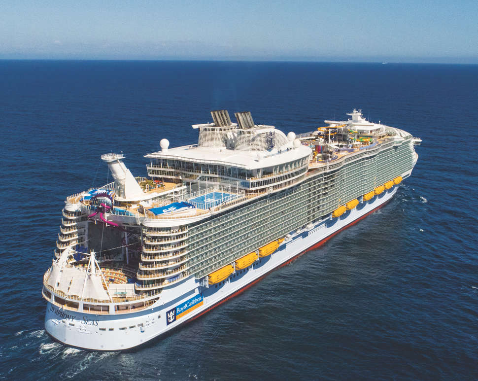 Royal Caribbean symphony of the seas sailing in ocean