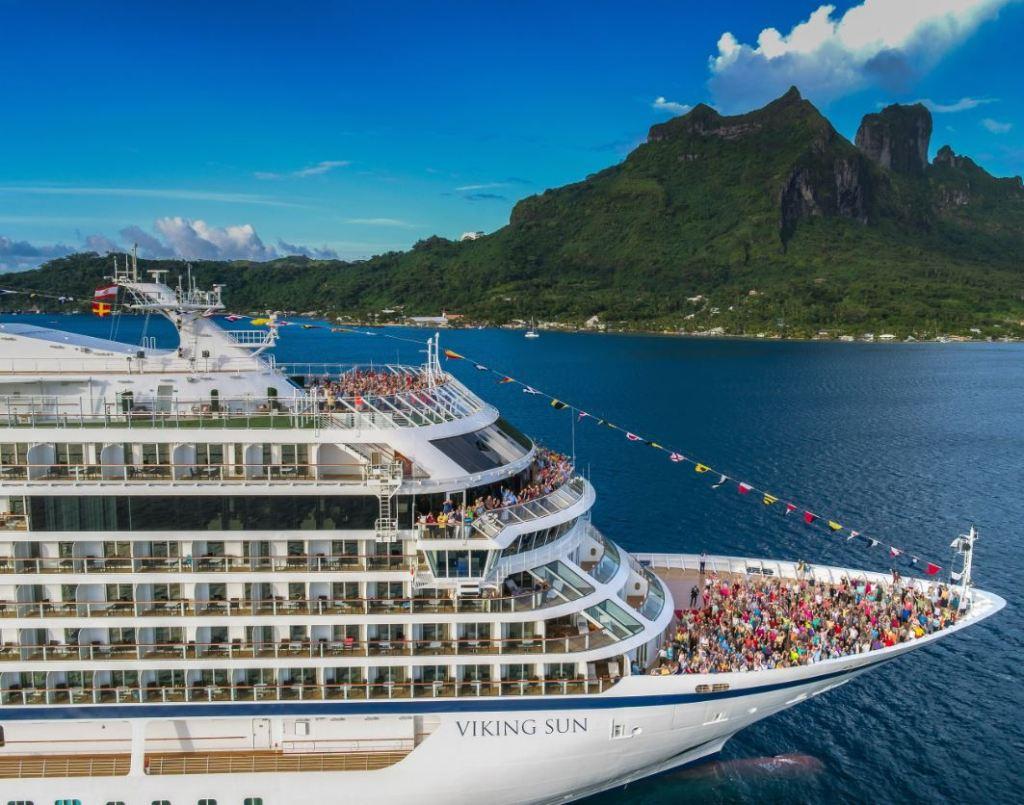 viking suspends all cruises