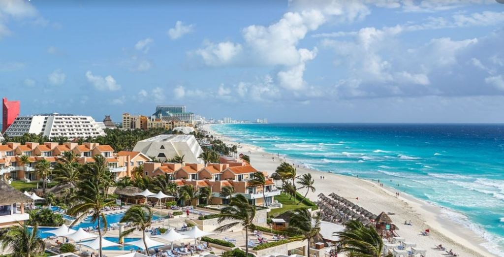 Cancun And Playa Del Carmen Will Open To International Tourists On June 1st