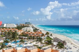 2500 Cancun Hotels and Restaurants Prepare For Tourists With Health Certification