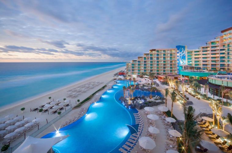 Cancun Vacation After Christmas 2020 Travelers Booking Cancun Vacations After Reopening Announcement