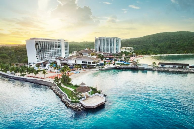 moon palace jamaica reopens june