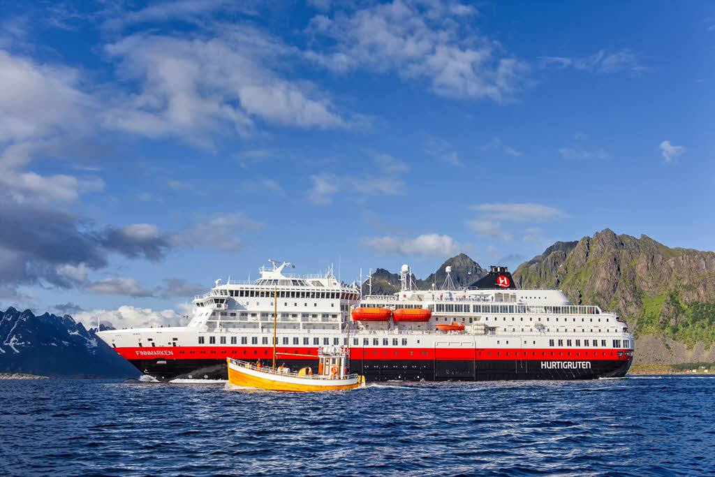 cruise line restart covid