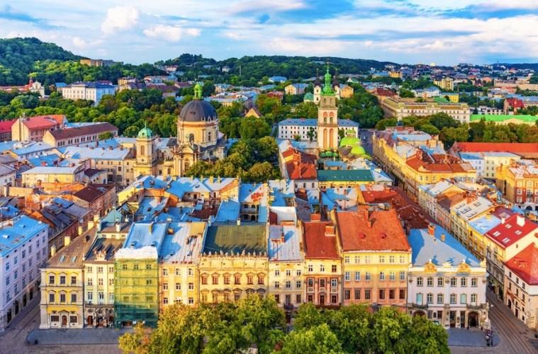 Ukraine Reopens Border For Tourism Again on September 28