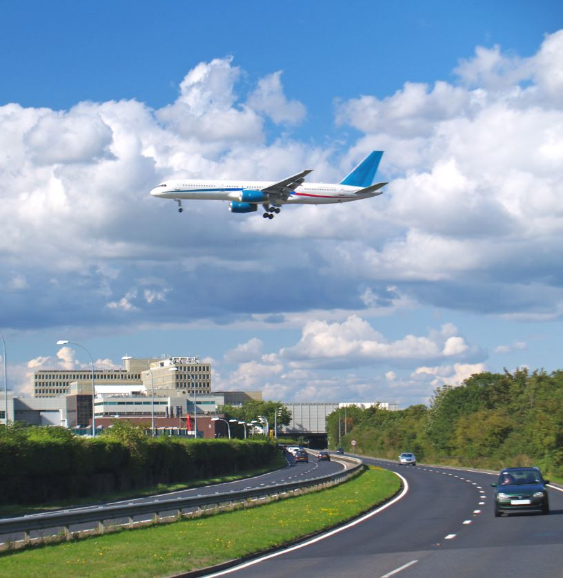london gatwick airport plane landing