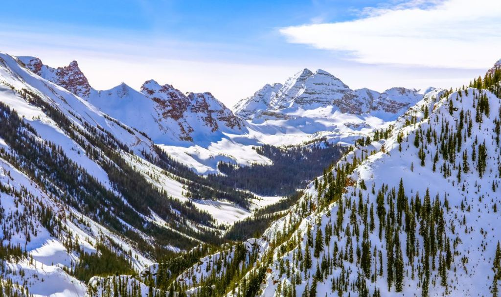Skiers Now Require Negative COVID Test To Visit Aspen