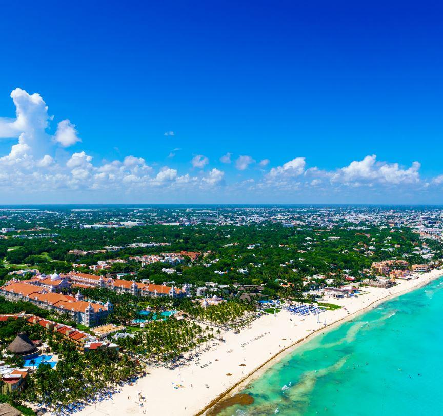 Pemandangan udara hotel di Karibia Meksiko