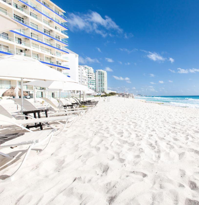 Pantai Pasir Putih di Cancun