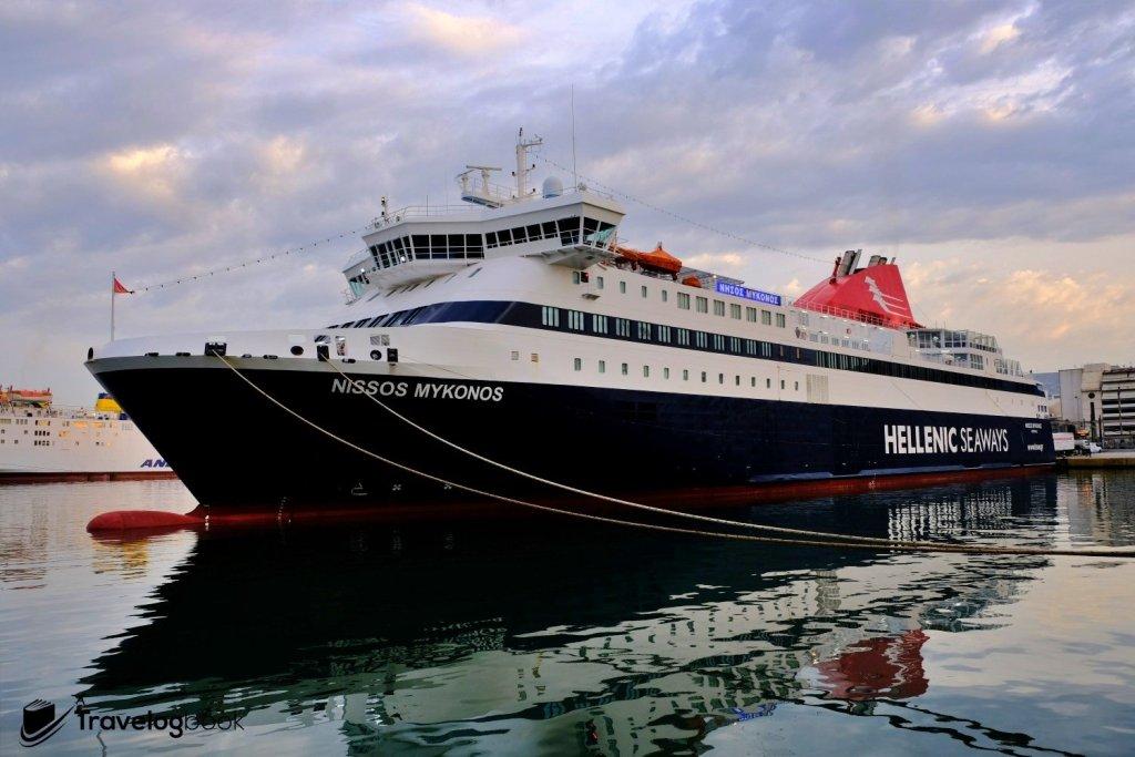 當日就乘坐這艘Blue Star Ferries的Nissos Mykonos號出發。