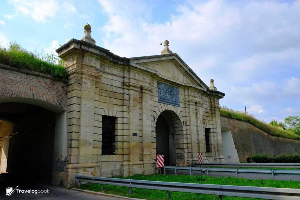 下層要塞的重要地標The Belgrade Gate。