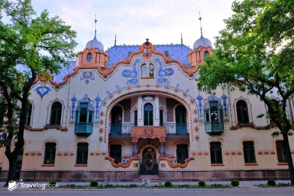 建於1904年的Raichle Palace,現時是現代藝廊(Modern Art Gallery)。