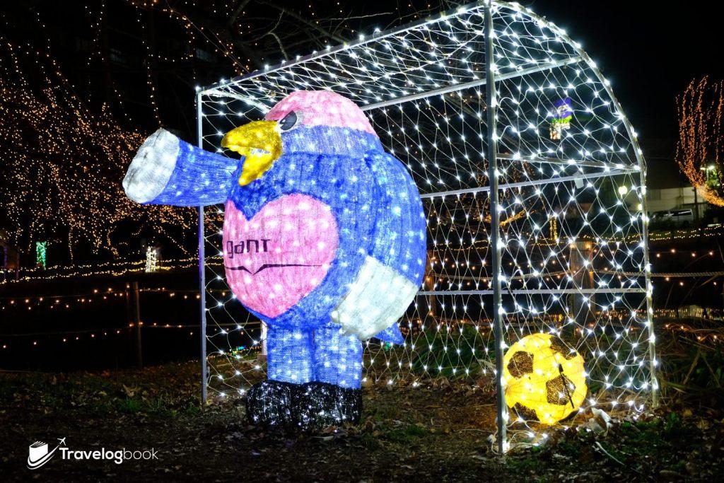 這隻鳥好面善!原來是 J-League足球聯賽鳥栖砂岩球隊的吉祥物「ウィントス」。