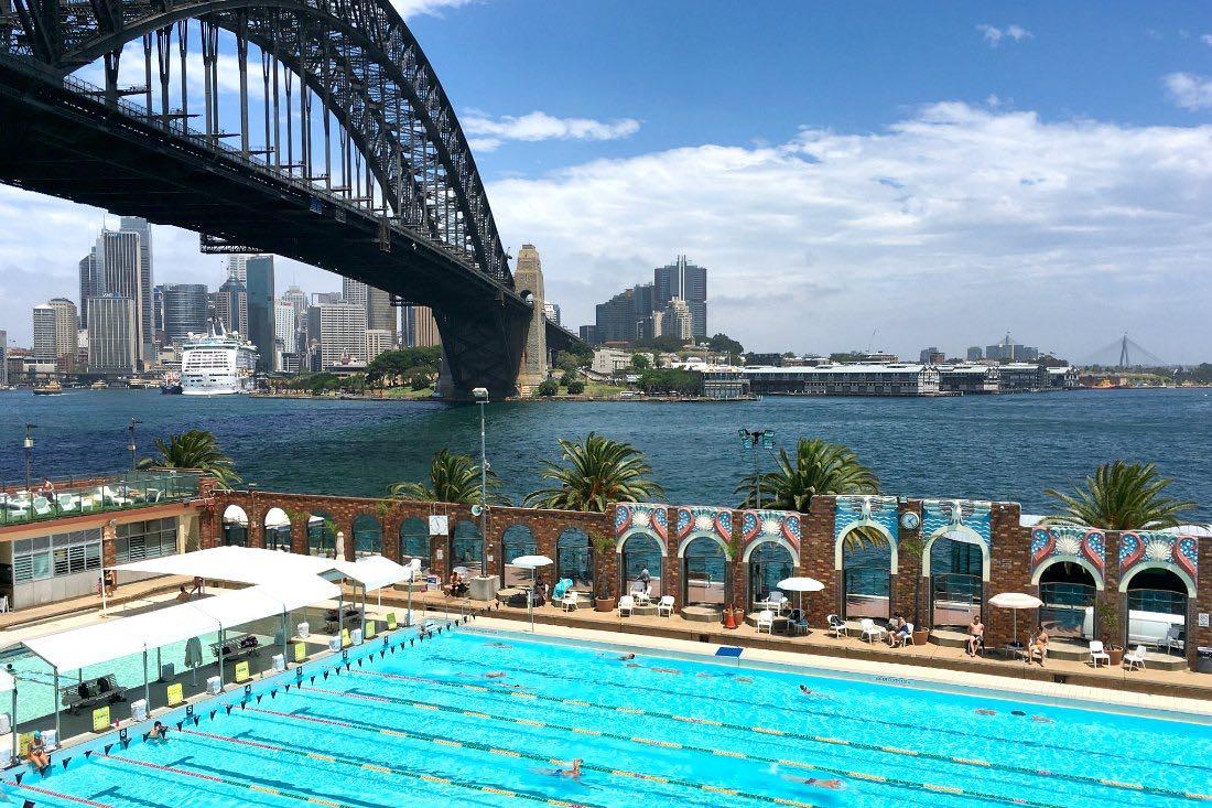 Sydney: Zwembad onder de Harbour Bridge