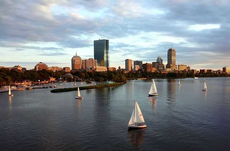 Top 10 Fun Things to do in Boston   Traveloompa Back Bay  places to visit in Boston