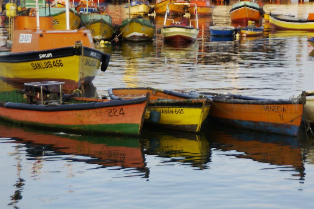 Fischerboote im Hafen von Arica