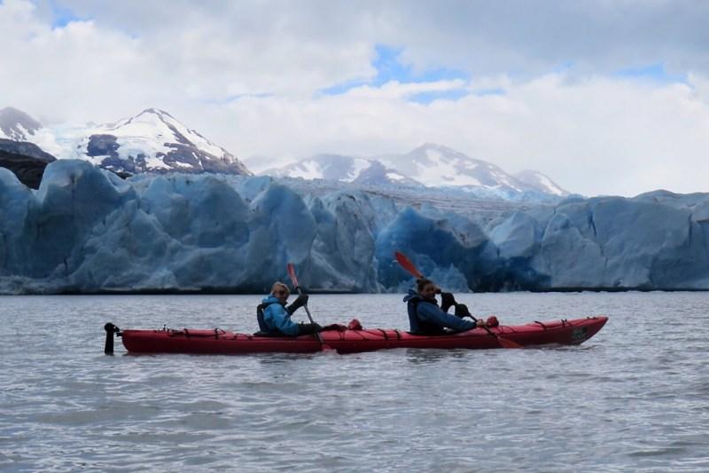 Chile Reisetipps: Kajaktour vor dem Gletscher im Torres del Paine