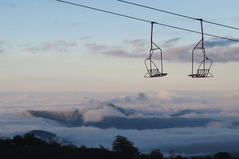 Mit dem Sessellift das erste Stück auf den Vulkan Villarica in Chile