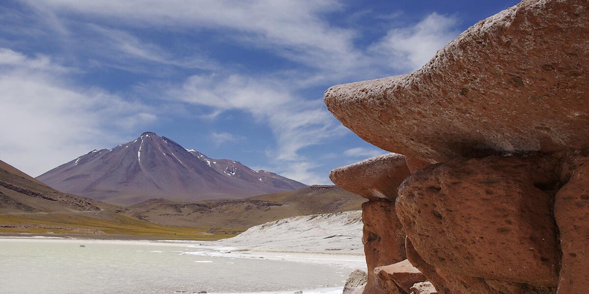 Rote Steine in der Atakama Wüste in Chile