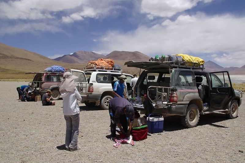 Picknick in der höchsten Wüste der Welt in Bolivien
