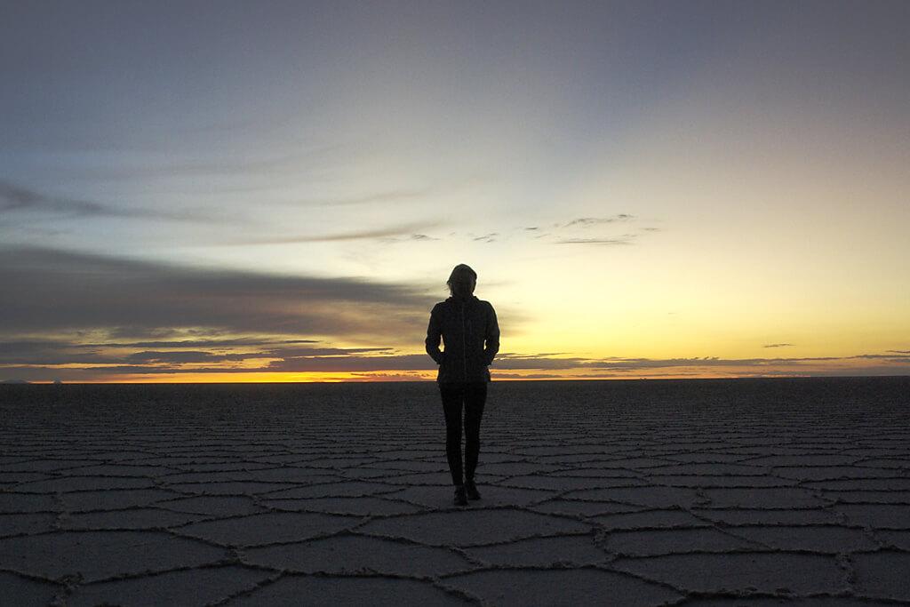Warten auf den Sonnenaufgang in der Salar de Uyuni